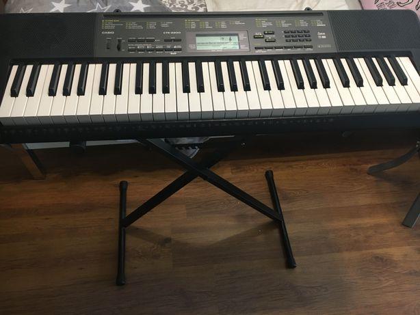 Statyw do keyboardu