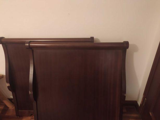 Cama individual em madeira de nogueira. Com ou sem colchão