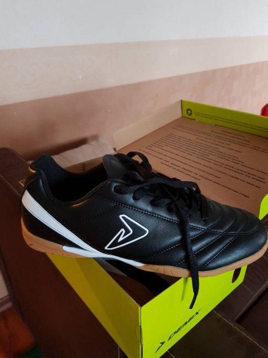 Продам кроссовки для Зала Киев - изображение 1