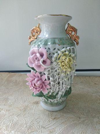 Красивая декоративная вазочка