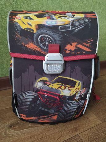 Рюкзак школьный каркасный Kite 503 Hot Wheels для мальчиков