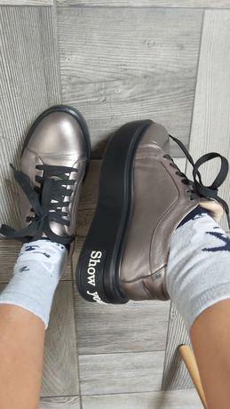 Кожаные кеды кроссовки