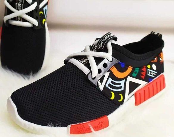 Кроссовки для подростков. Современный оригинальный стильный дизайн.