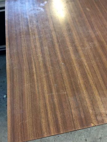 Cadeiras mesas