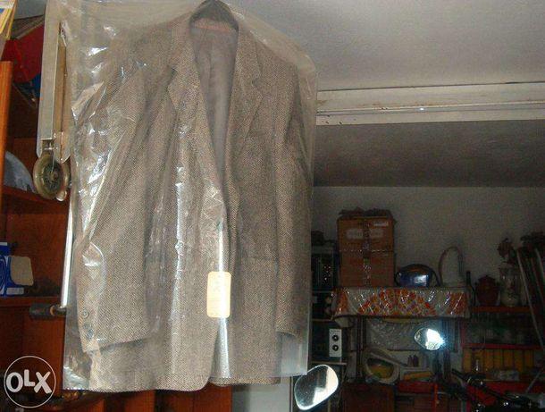 200 peças de roupa de luxo para revenda