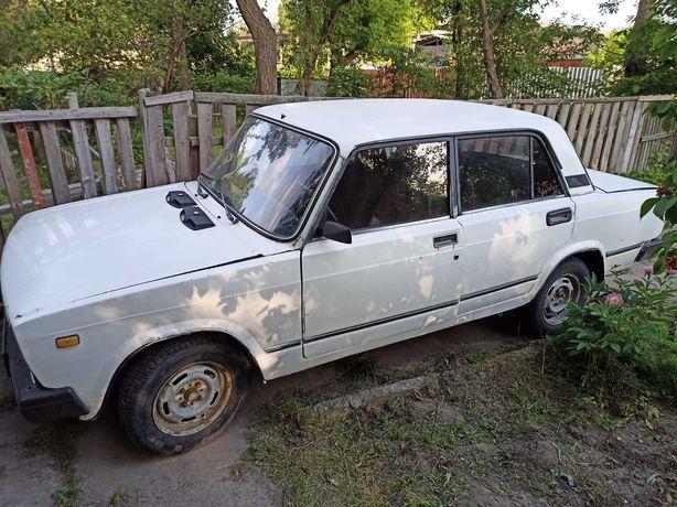 ВАЗ 2105 Білого кольору