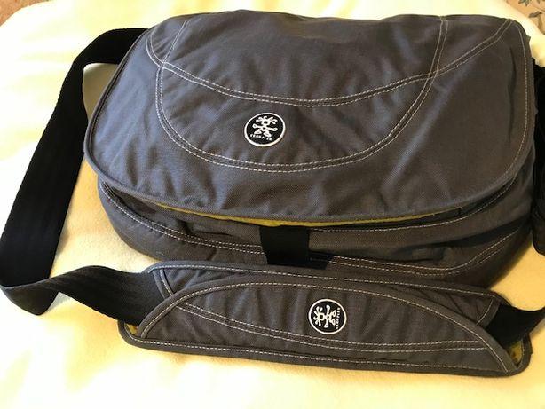 Uniwersalna torba na laptopa Crumpler Cheesytina TCL-200077