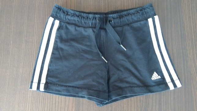 Krótkie spodenki Adidas bawełniane szorty spodnie chłopięce r. 128