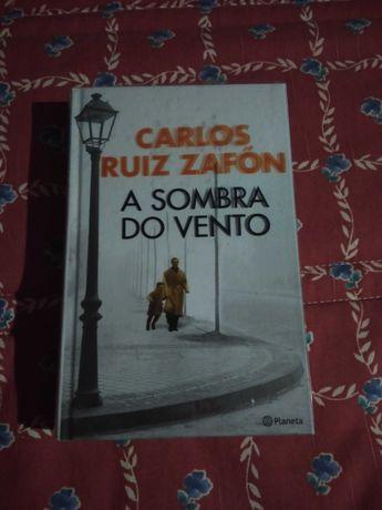 "Livro Suspense/Thriller ""A Sombra do Vento"""