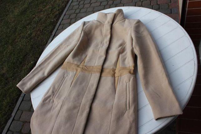 nowy beżowy płaszcz wyszczuplający fason B.P.C. | rozmiar 38
