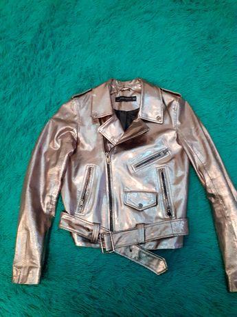 Куртка Zara в хорошем состоянии