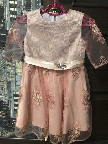 Очень нежное красивое нарядное платье плаття Mevis