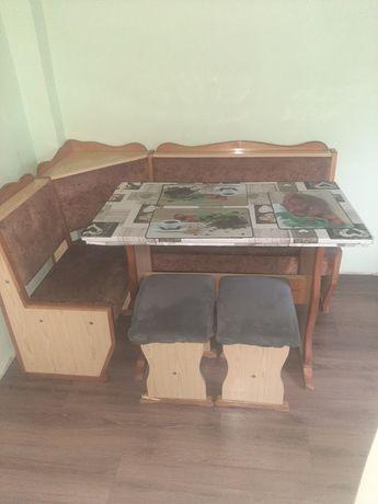 Pilnie sprzedam  Rogówka kuchenna stół krzesła taborety