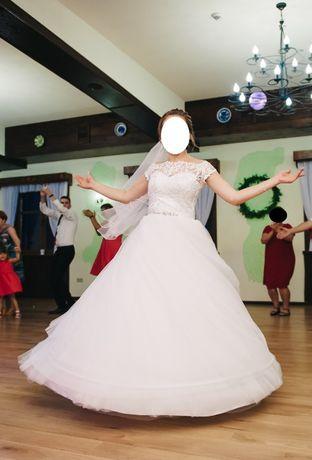 Suknia ślubna 36/38, 165 cm + obcas, biała