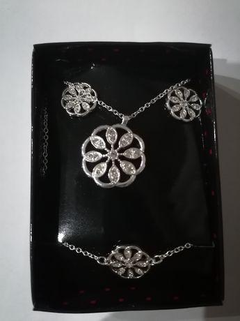 Avon Zestaw biżuterii Lenora nowy oryginalnie zapakowany