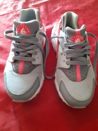 Vendo tênis  da Nike tamanho 38.5