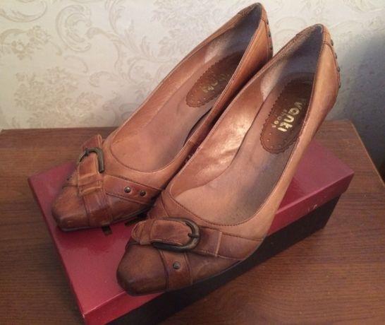 Удобные итальянские туфли, р.40
