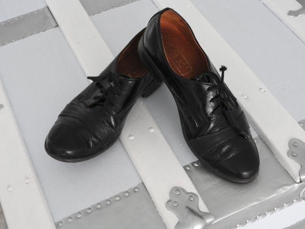 buty czarne chłopiec, komunia 34