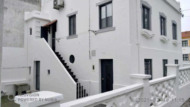 Moradia com terraço para venda em Almada