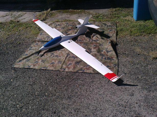 "Samolot motoszybowiec RC ""Windex"""