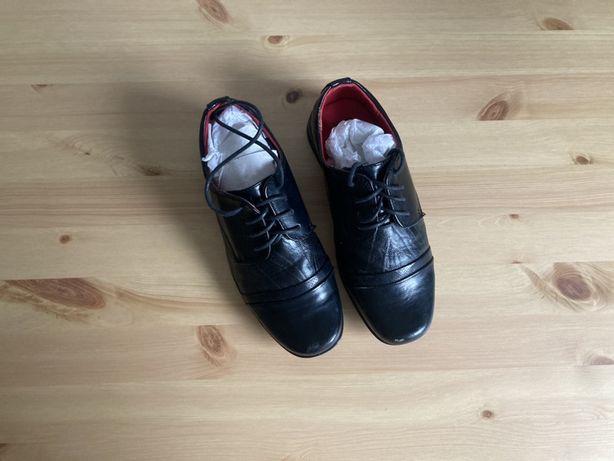 Eleganckie buty odświętne komunijne czarne 33