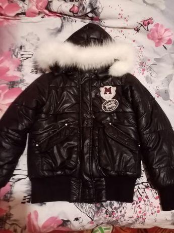 Продам теплую зимнюю курточку