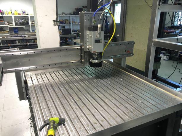 CNC fresadora 1000x1000 Metais (ferrosos inc)