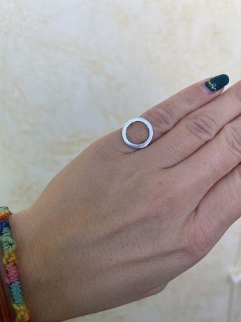 Кольцо круг серебряное