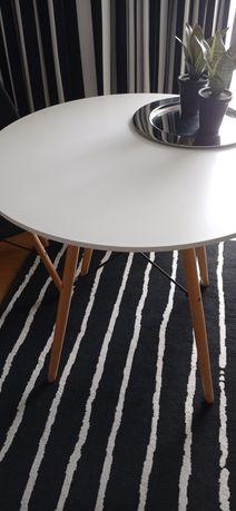 Mesa branca redonda