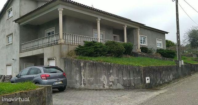 Moradia V4 perto de Arega, Figueiró dos Vinhos no centro de Portugal