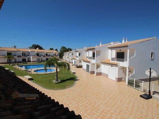 Moradia V3 PROMO SETEMBRO perto da praia com piscina e garagem