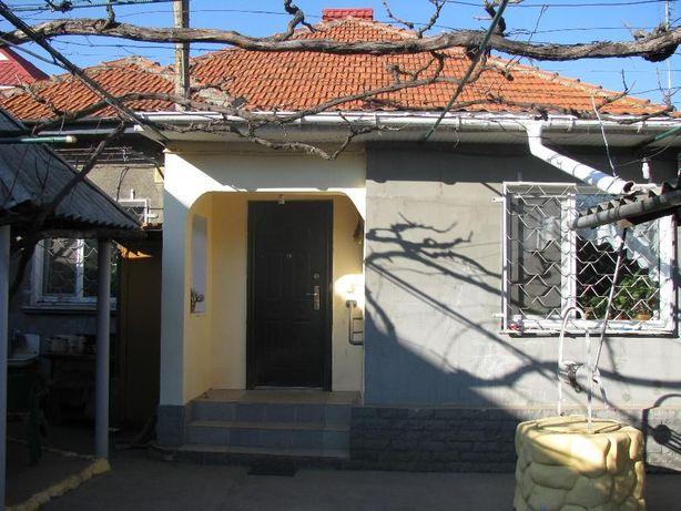Пол-дома в центре города в отличном состоянии