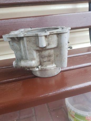 Cylinder pegaso 650 93 rok