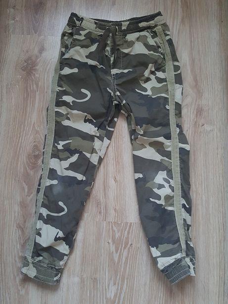 Zara spodnie chłopięce moro bojówki 122