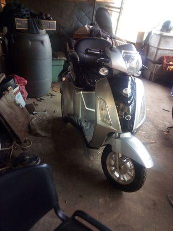 Eletrica 3 rodas semi- nova