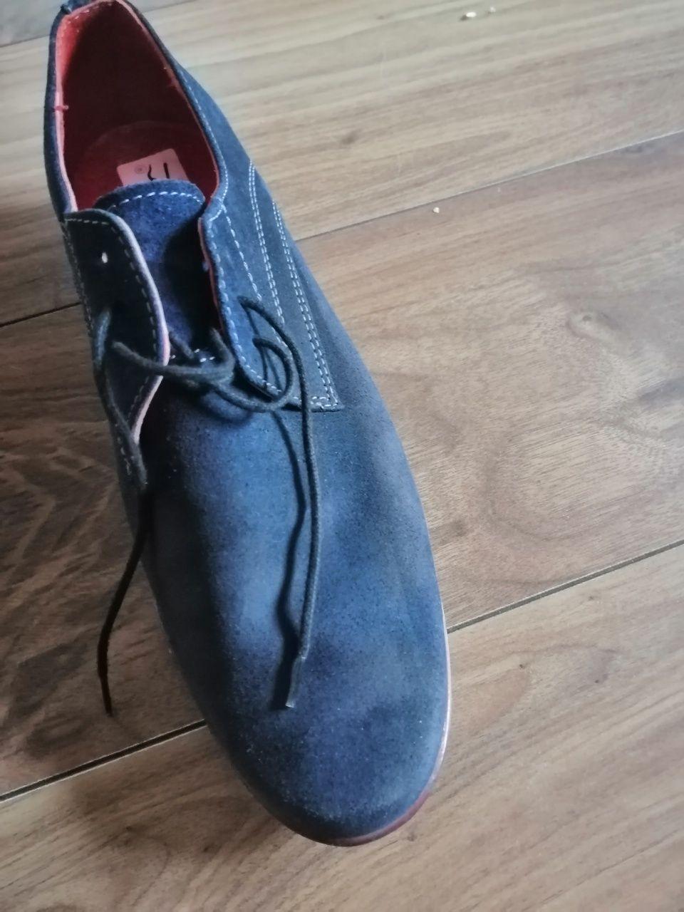 Buty pantofle młodzieżowe