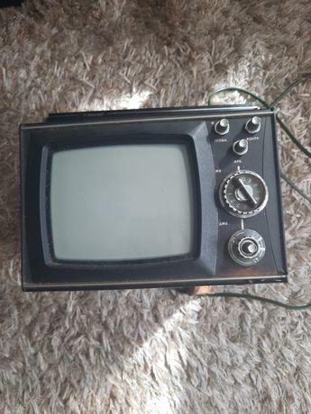 Telewizorek Silesus 402D