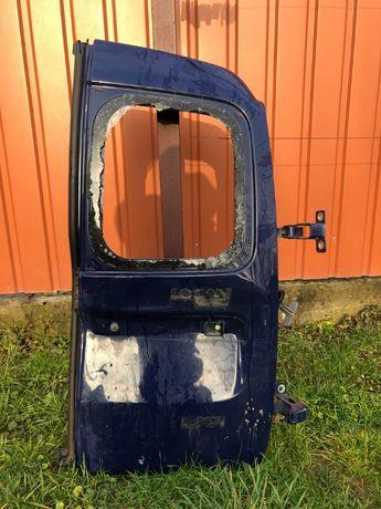 двери задние роспашонки дачия логан 2009 год