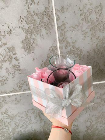 Przepiękny Zestaw na Dzień Kobiet Flower Box Mydlane Róże Ostatnia Szt