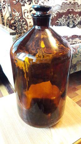 Бутыль из тёмного стекла,на 5 л