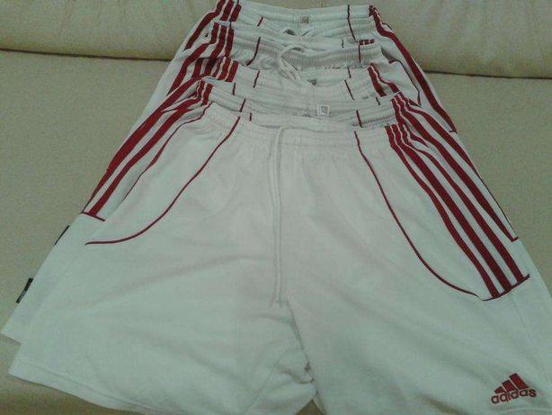 Spodenki Adidas.