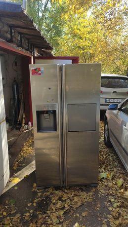 Холодильник LG SBS гарантия шесть месяцев.