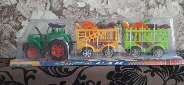 Трактор с 2 прицепами и игрушками