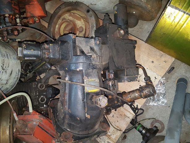 Pompa wyciągarki dźwig AT 70t a2fm 107/6.1w