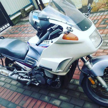 Продам Yamaha fg1200