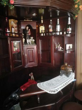 Bar de Canto em bom estado