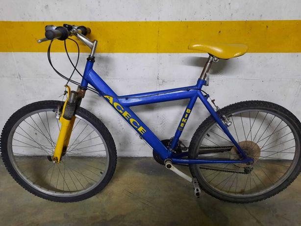 Bicicleta em bom estado.