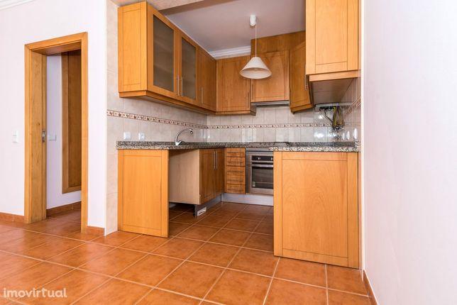 Apartamento T1 c/ Terraço e Garagem em Buarcos