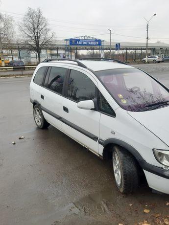 Авто Opel Zafira