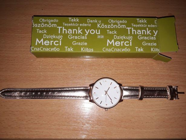 Часы новые в упаковке